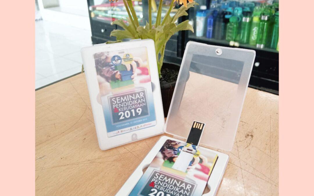 Souvenir Flashdisk Kartu Bentuk ATM Simple Dan Elegan!